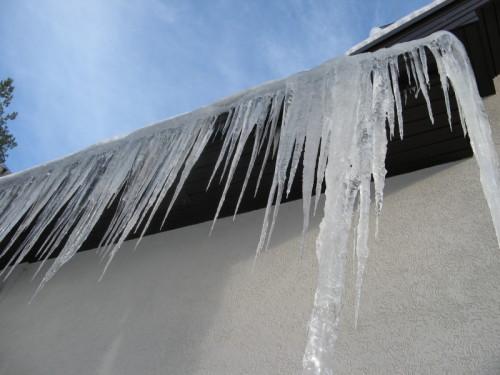 ICE DAMN ON ROOF